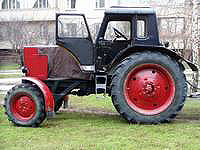 Old tractor in Kiev uses many mechanical seals